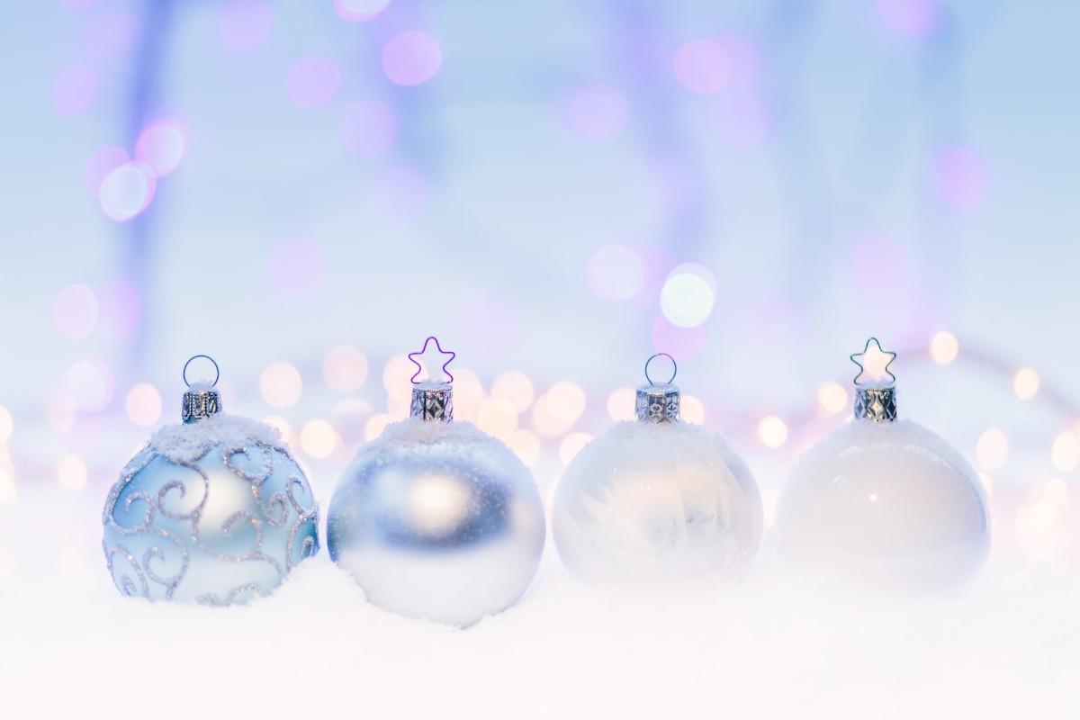 4 Crystal Balls