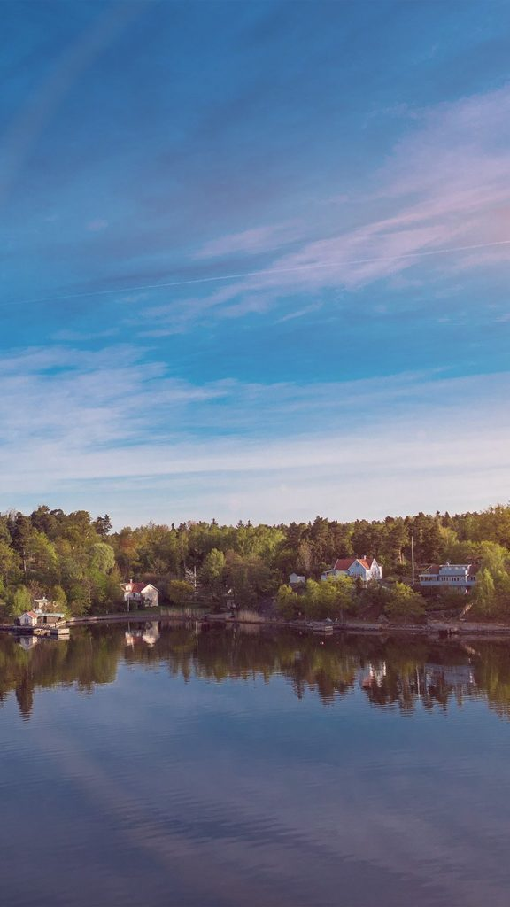peaceful-lake-nature-summer