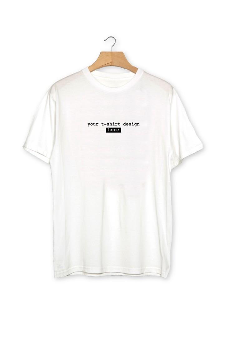 Free Plain White Realistic Tshirt Mockup PSD