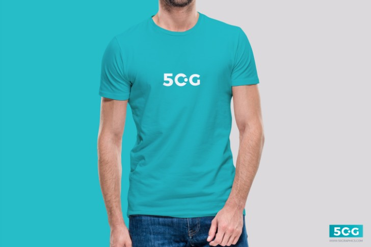 Free Young Man Wearing TShirt Mockup PSD