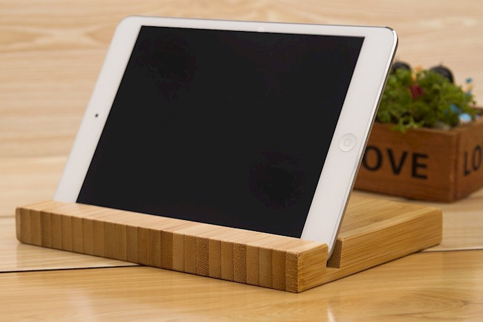bamboo-tablet-stand