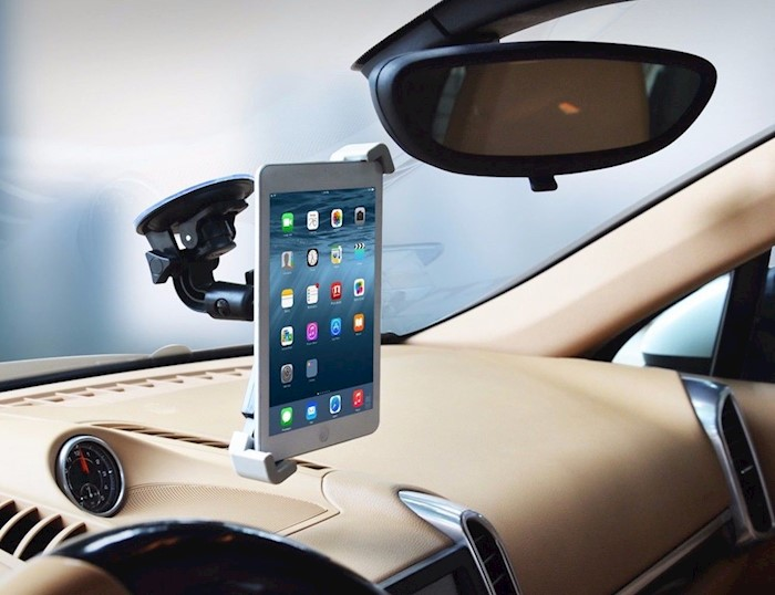 windshield-tablet-mount-cars